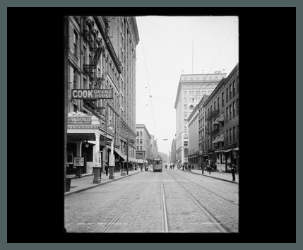 Old Photo of Rochester's South Avenue, 1904. (Rollover the image to zoom)