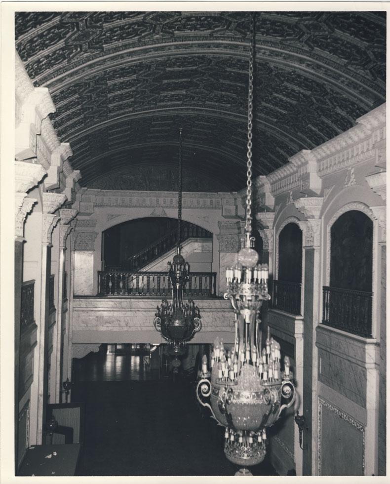 Main Lobby. [PHOTO: D.O. Schultz / Rochester Theater Organ Society]