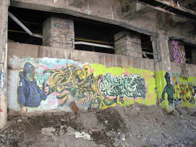 Graffiti art blankets the interior walls of the abandoned Rochester subway tunnel. Photo taken 9/2008 by RochesterSubway.com.