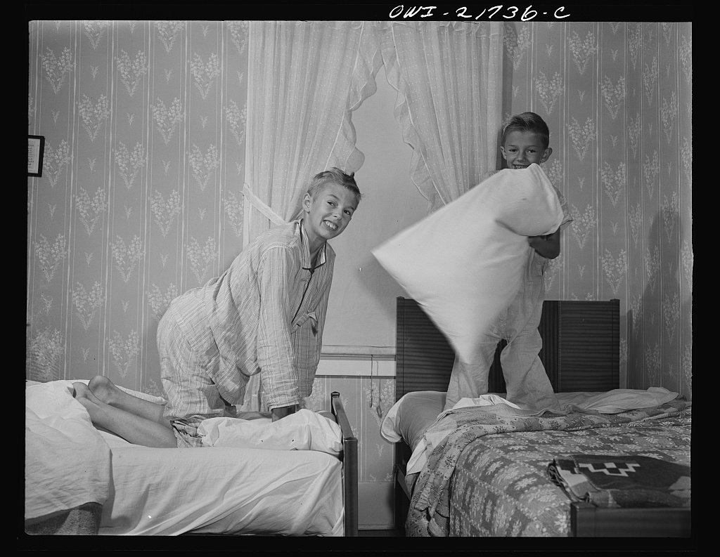 The two Babcock boys having a little fun before going to sleep [PHOTO: Library of Congress]