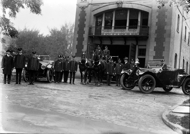 The opening of the fire station for Hose Co. No. 19 on East Avenue (c.1909). The station was taken over from Brighton. [PHOTO: Albert R. Stone Collection]