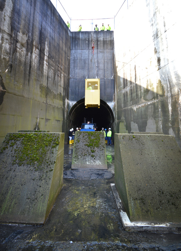 This is one of just a few access points from where the tunnels can be inspected like this. [PHOTO: RochesterSubway.com]