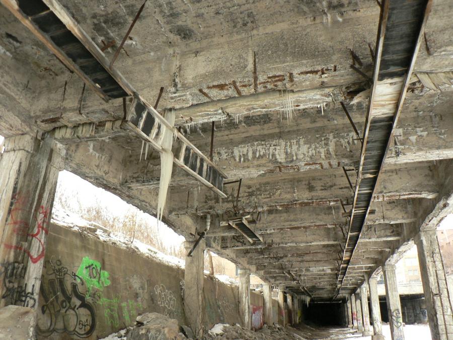 Icicles in the Subway [PHOTO: Ian Wescott - Flickr - https://www.flickr.com/photos/iandavid/]