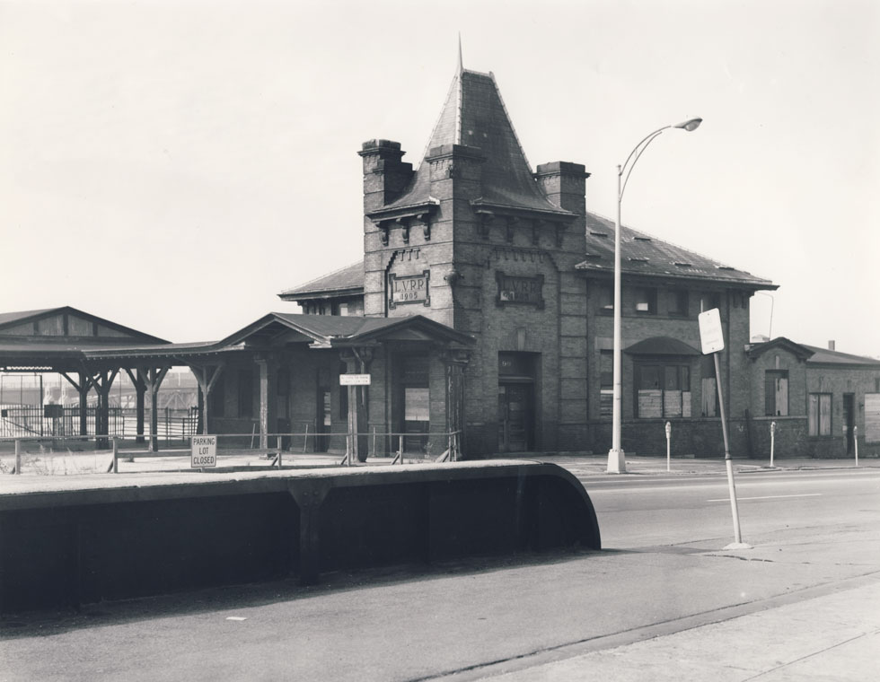 The Lehigh Valley Railroad Station on Court Street, Rochester N.Y.