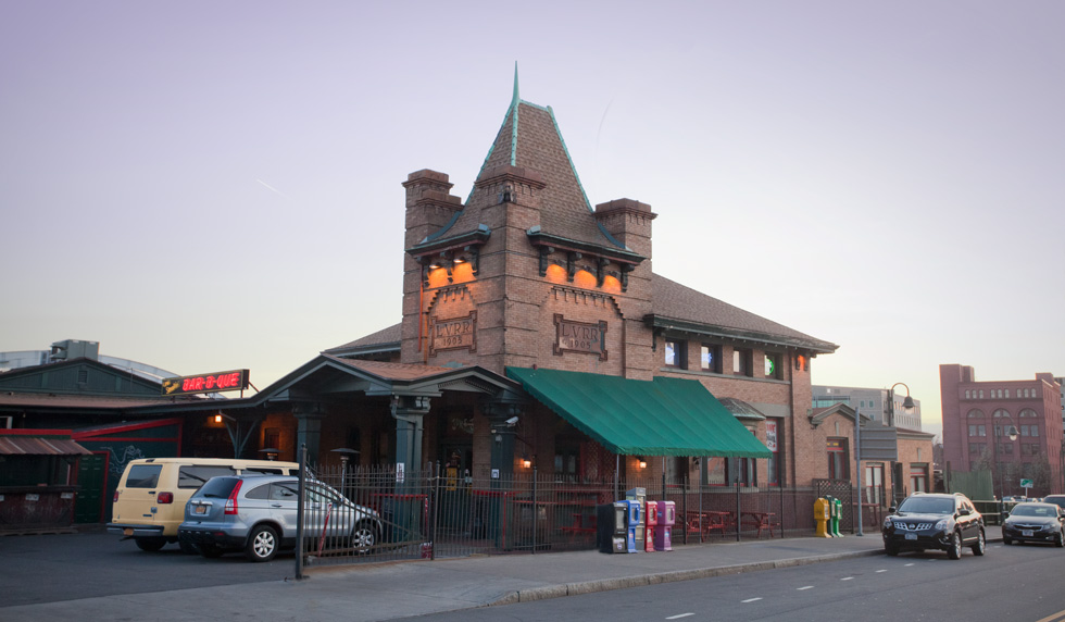 The Lehigh Valley Railroad Station (a.k.a. Dinosaur Bar-B-Que) on Court Street, Rochester N.Y.