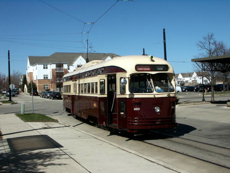 A heritage streetcar line, like the one in Kenosha WI, could connect Ontario Beach with a parking lot at the former Russell power station. [PHOTO: CityPhile.com]