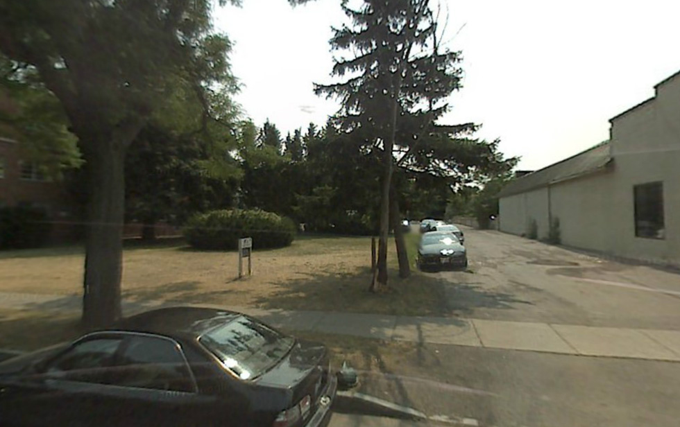 John Baker, Steve Gullace, Chris Gullace have proposed to construct a new gym and a 48 unit apartment building here at 759 Park Ave. [IMAGE: Google Streetview]