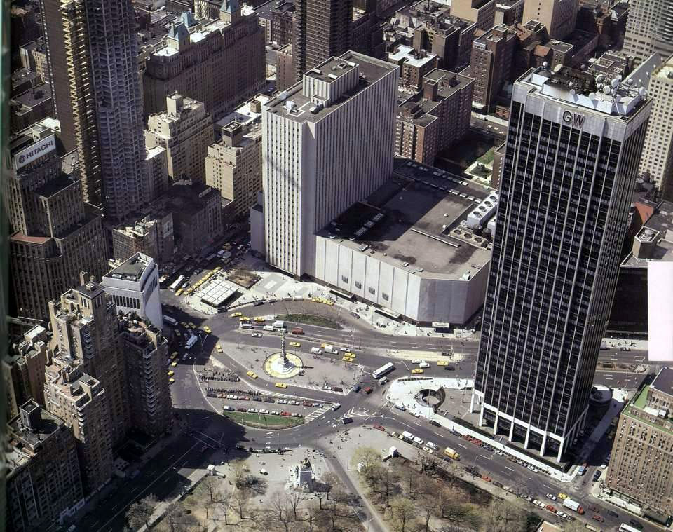 Columbs Circle, maybe early 1970's? [PHOTO: andrewcusack.com]