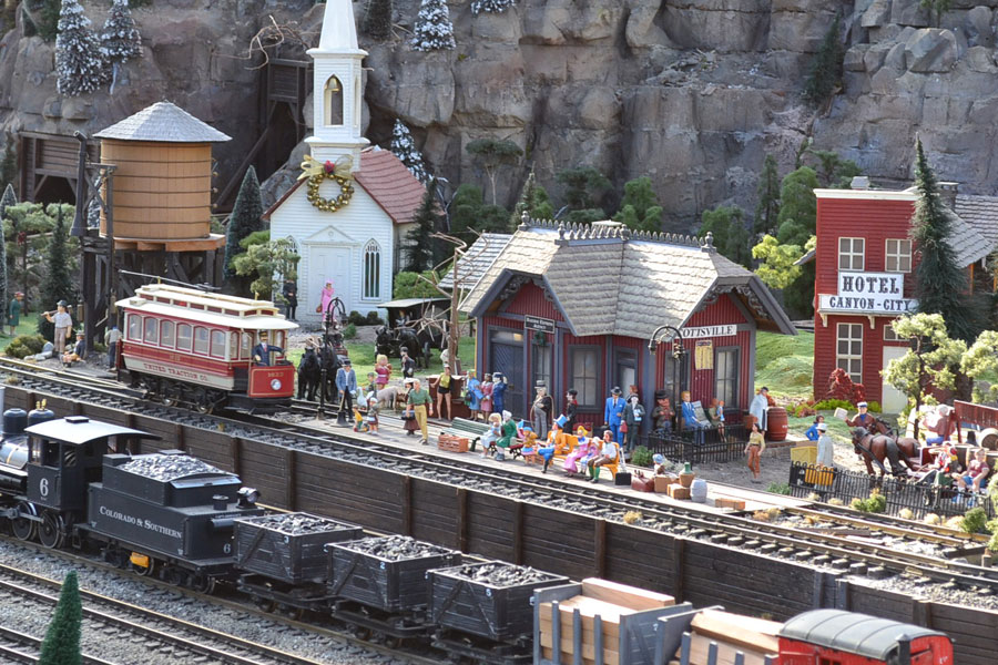 Built to 'G' gauge, this exhibit is the work of David Rouse and Peter Todd.