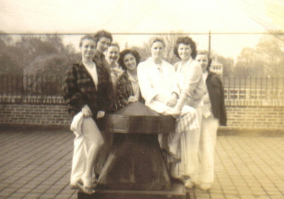 Jean Bissiett as a teenager with other patients on the roof at Iola (c.1946). [PHOTO COURTESY OF: Mark Hosier]