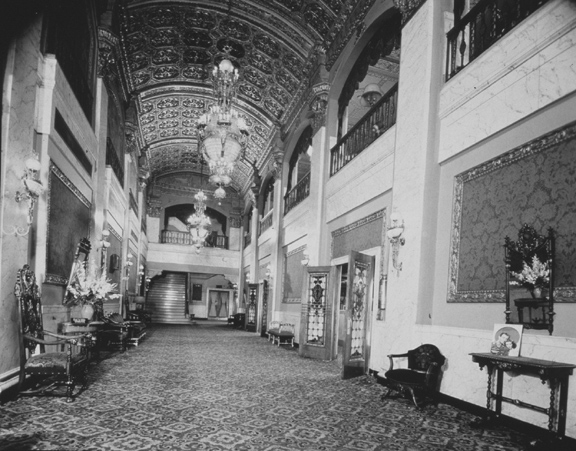 Main Lobby. 1940. [PHOTO: Ossie Wieggel / George Eastman House]