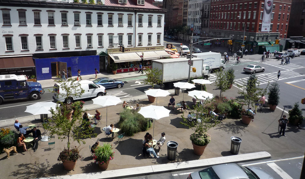 Pedestrian plaza at 14th and 9th, NYC. [PHOTO: NYCstreets, Flickr]