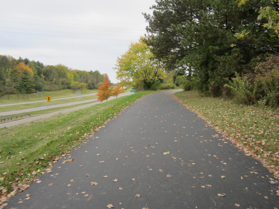 Lake Ontario State Parkway Trail. [PHOTO: Ryan Green]