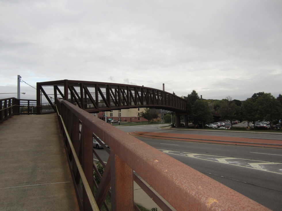 At West Ridge Road, there is a neat pedestrian bridge. [PHOTO: Ryan Green]