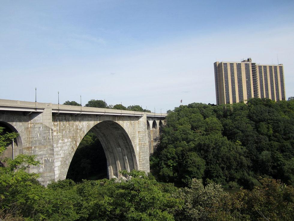 Veterans Memorial Bridge. [PHOTO: Ryan Green]