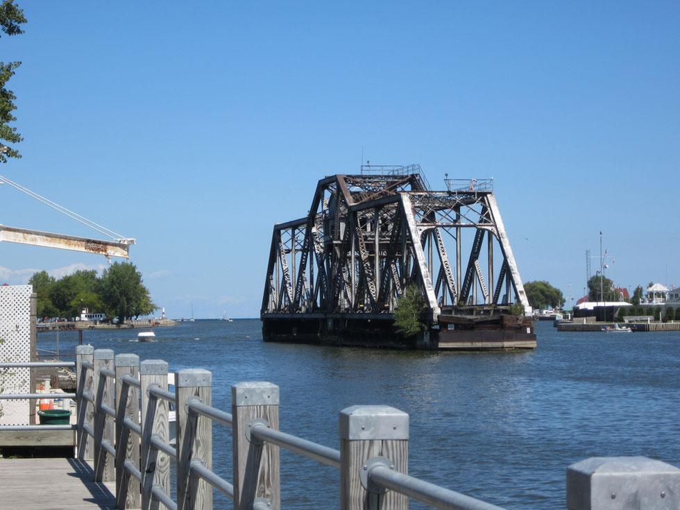 Hojack Swing Bridge. Now Demolished. [PHOTO: Ryan Green]