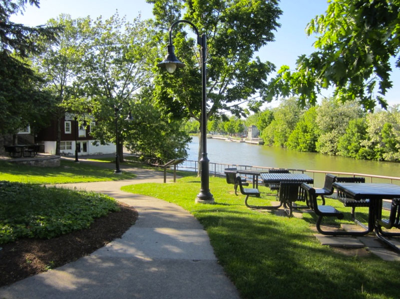 Fairport, NY. Along the Erie Canal Path. [PHOTO: Ryan Green]