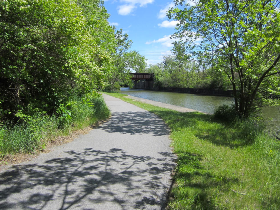After leaving Genesee Valley Park, we see two old railroad bridges that cross over the canal and I-390. This is the Lehigh Valley Trail, which heads south, passing through Henrietta. [PHOTO: Ryan Green]
