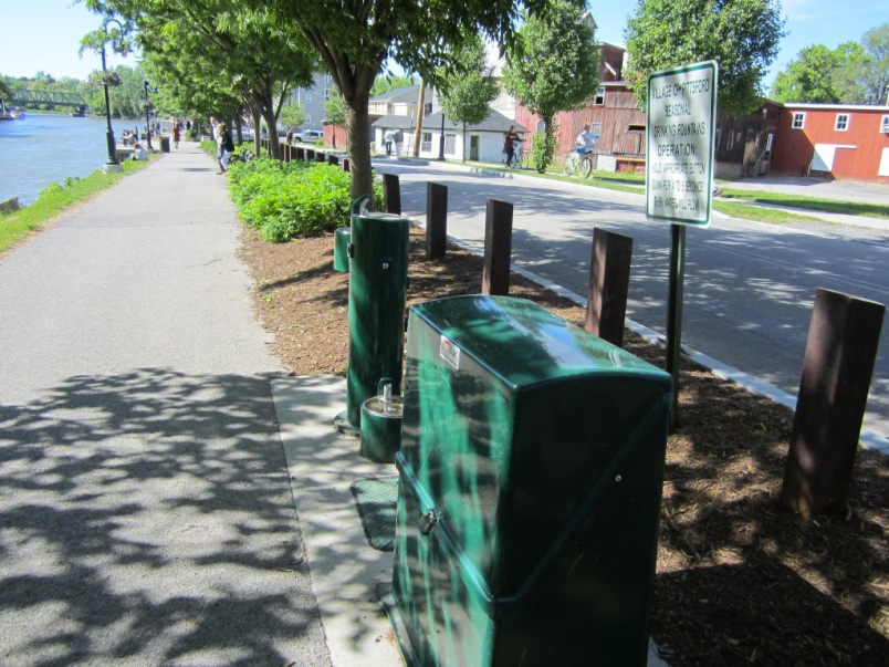 In Pittsford, there are plenty of water fountains (also in Fairport; there are water fountains at the locks but when I tried them, they didn't work). [PHOTO: Ryan Green]