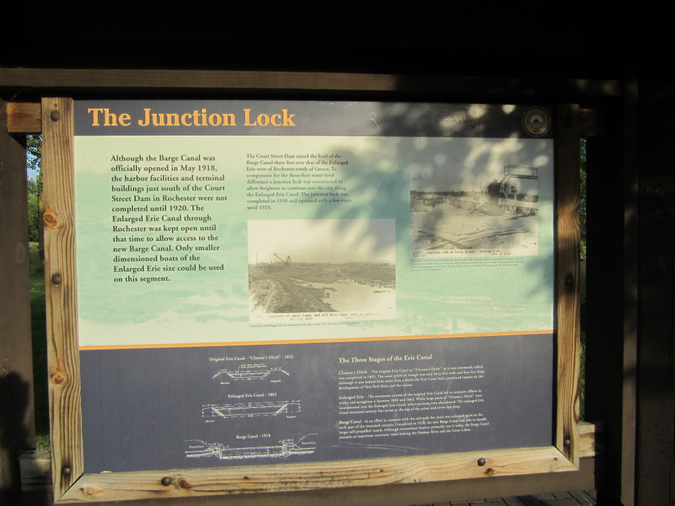 This is the junction lock, complemented by a nice tiny rest area, which I missed on the way to Brockport, since I crossed over the canal west of here. [PHOTO: Ryan Green]