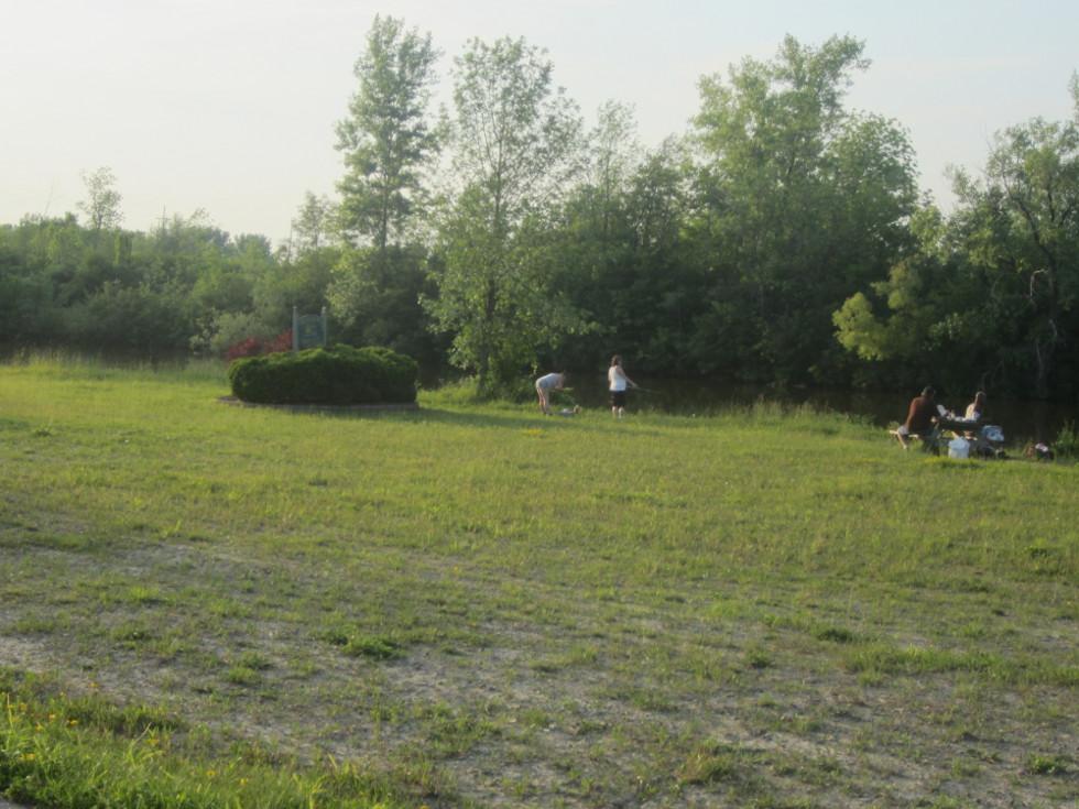 People enjoying the canal at Ingress Park. [PHOTO: Ryan Green]