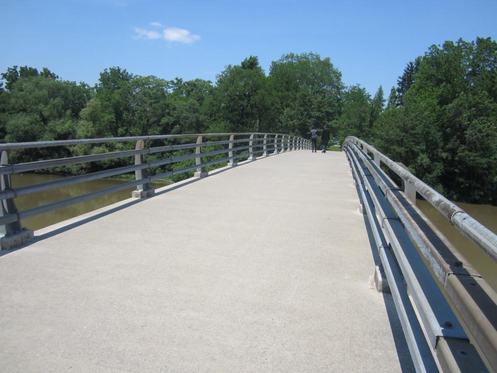 We cross the bridge and take a look... [PHOTO: Ryan Green]
