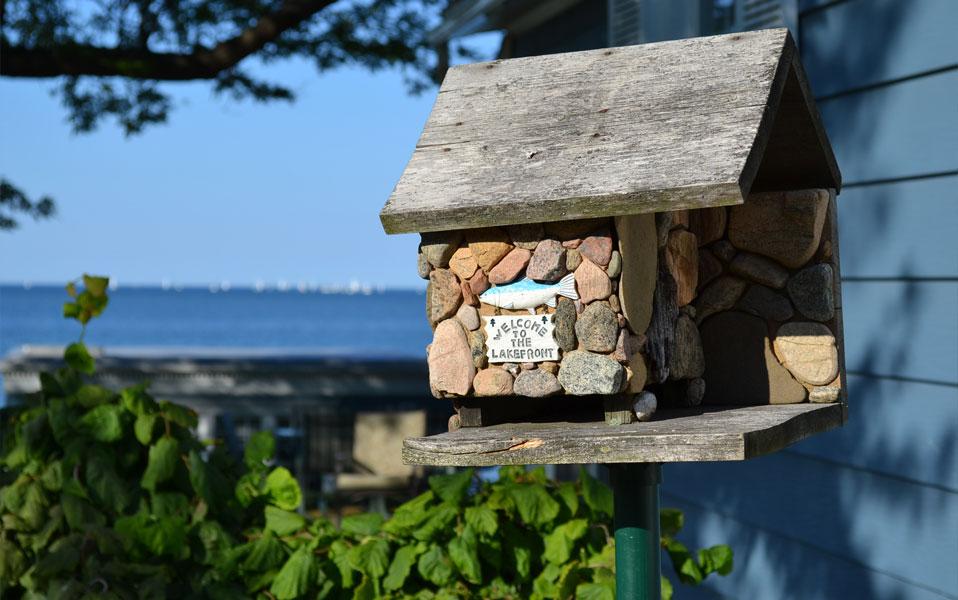 Bird summer cottage