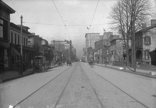 Clinton Avenue looking north toward Main Street, 1910. [PHOTO: Rochester Public Library]