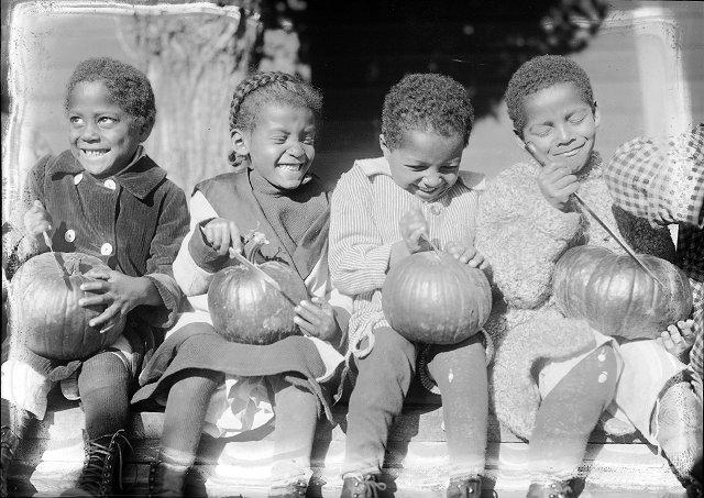 Left to right are: Charlie Davis, Elizabeth (?), Victor Jackson, and Eddie Goode. [PHOTO: Albert R. Stone]