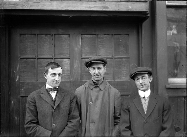 Unidentified factory workers. c.1910. [PHOTO: Albert R. Stone Collection]