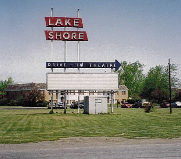 The marquee sign at the former Lakeshore Drive-in Theatre in Greece, NY. [PHOTO: NewYorkDriveIns.com]