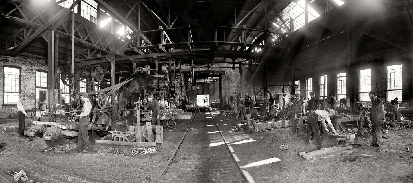 Blacksmiths at Merchants' Despatch Transportation Co. c.1904. [PHOTO: U.S. Library of Congress & Shorpy.com]