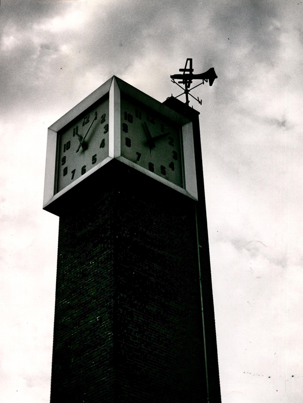 This iconic brick clock tower high above the terminal reminded passengers just how much time they had to buy their tickets and board their planes. [IMAGE: Rochester Public Library Local History Division]