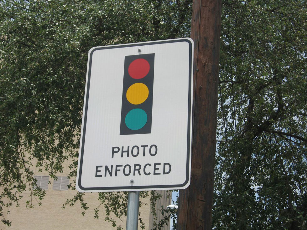 Last week Governor Andrew Cuomo granted permission for several cities and counties in New York, including Rochester, to begin or continue red light camera programs until 2019.  [PHOTO: FringeHog, Flickr]