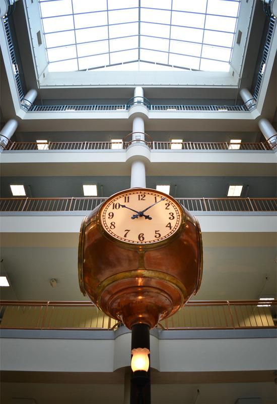Sibley building clock. [PHOTO: RochesterSubway.com]