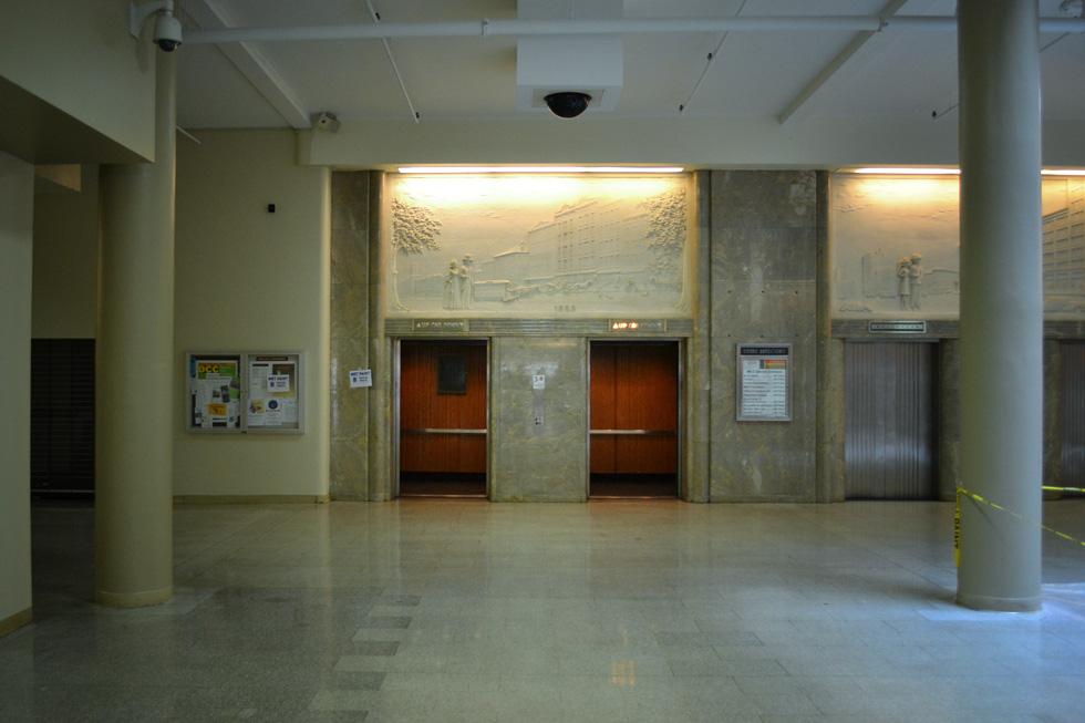 Sibley building elevators. [PHOTO: RochesterSubway.com]