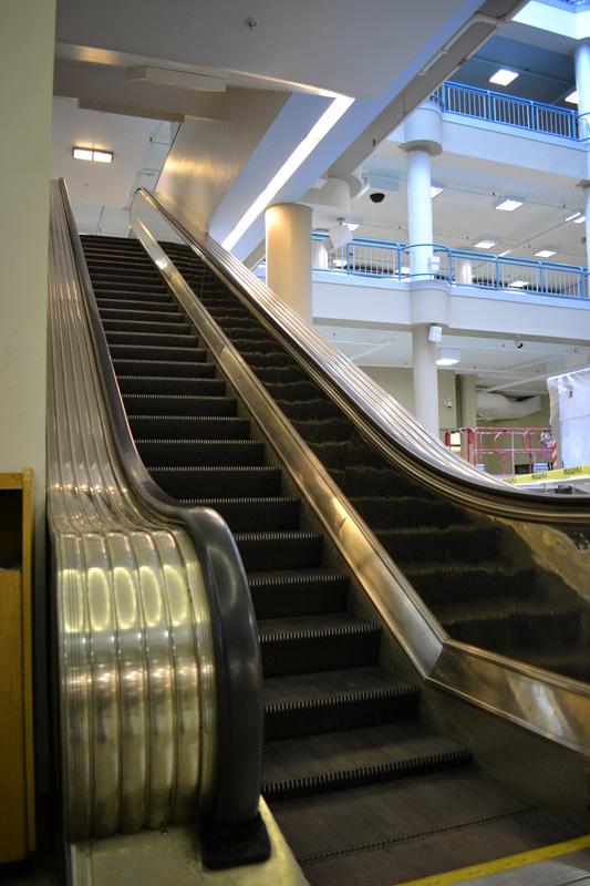 Sibley building escalators. [PHOTO: RochesterSubway.com]