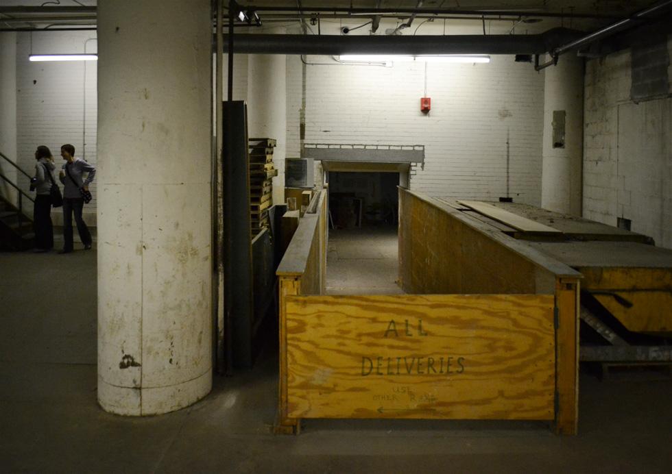 Sibley building, shipping & receiving. [PHOTO: RochesterSubway.com]
