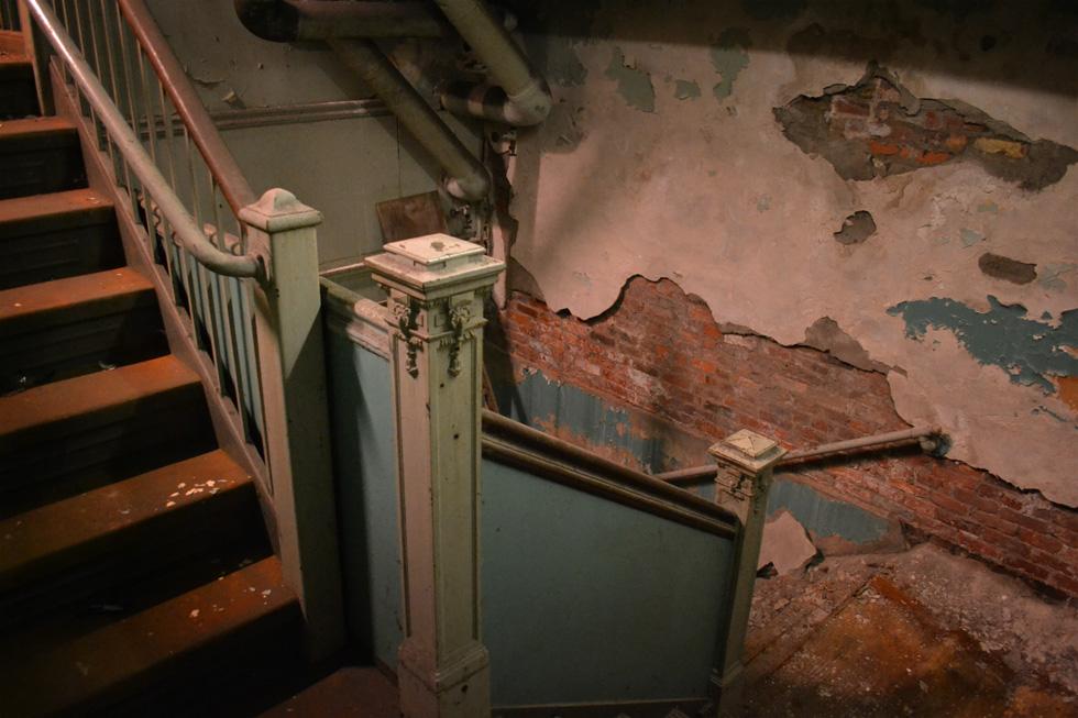 To the SUB-basement! [PHOTO: RochesterSubway.com]
