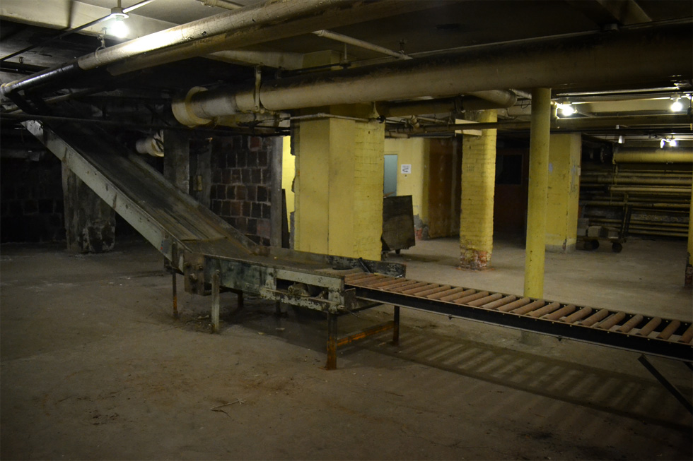 This area was for wrapping and packing. [PHOTO: RochesterSubway.com]