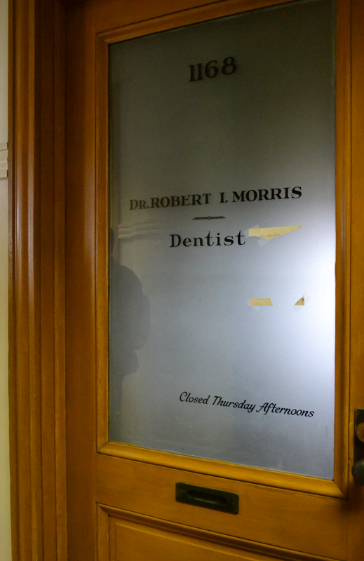 Dentistry by Dr. Robert I. Morris. Closed Thursday Afternoons. [PHOTO: RochesterSubway.com]