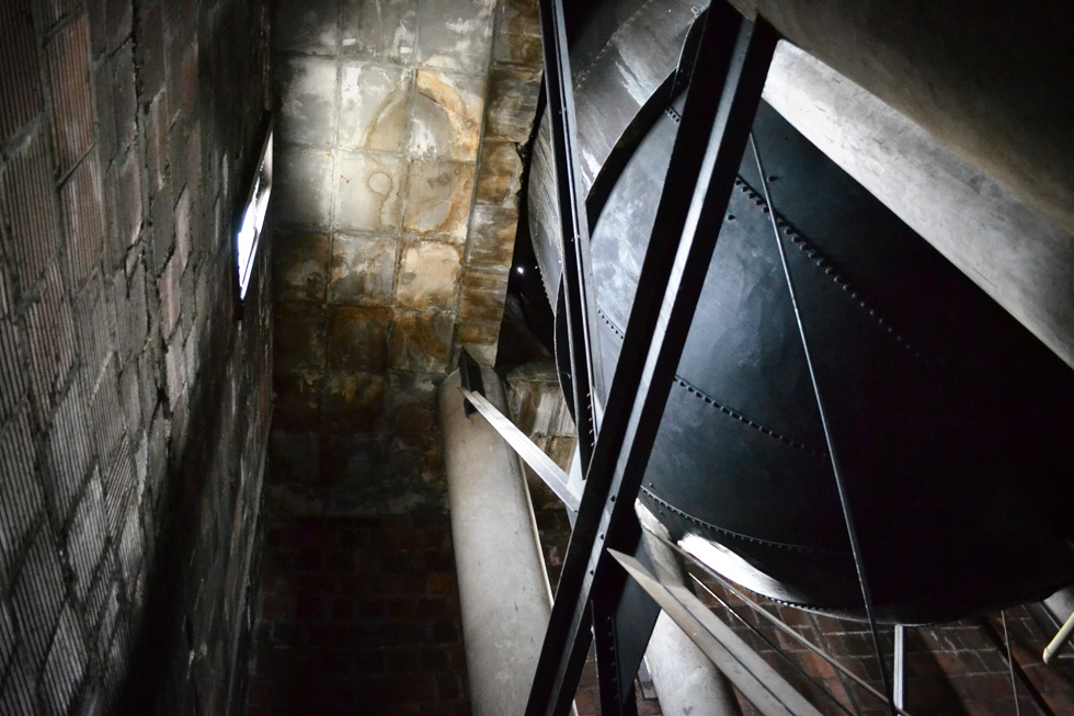 Giant water tanks on top of Sibley's tower. [PHOTO: RochesterSubway.com]