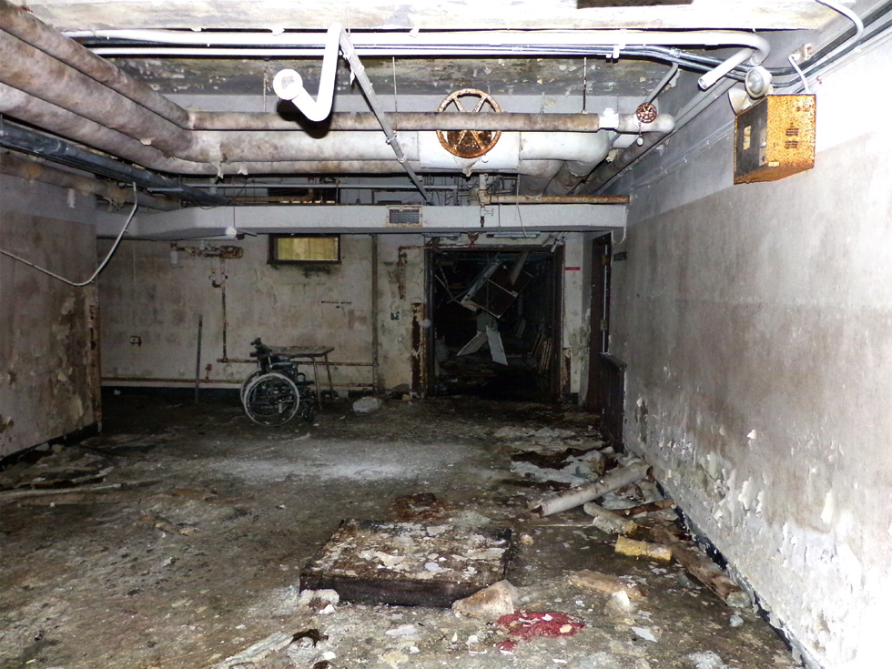 Inside the abandoned Walters psychiatric building. [IMAGE: Snoop Junkie - Rochester Urban Exploration Squad]