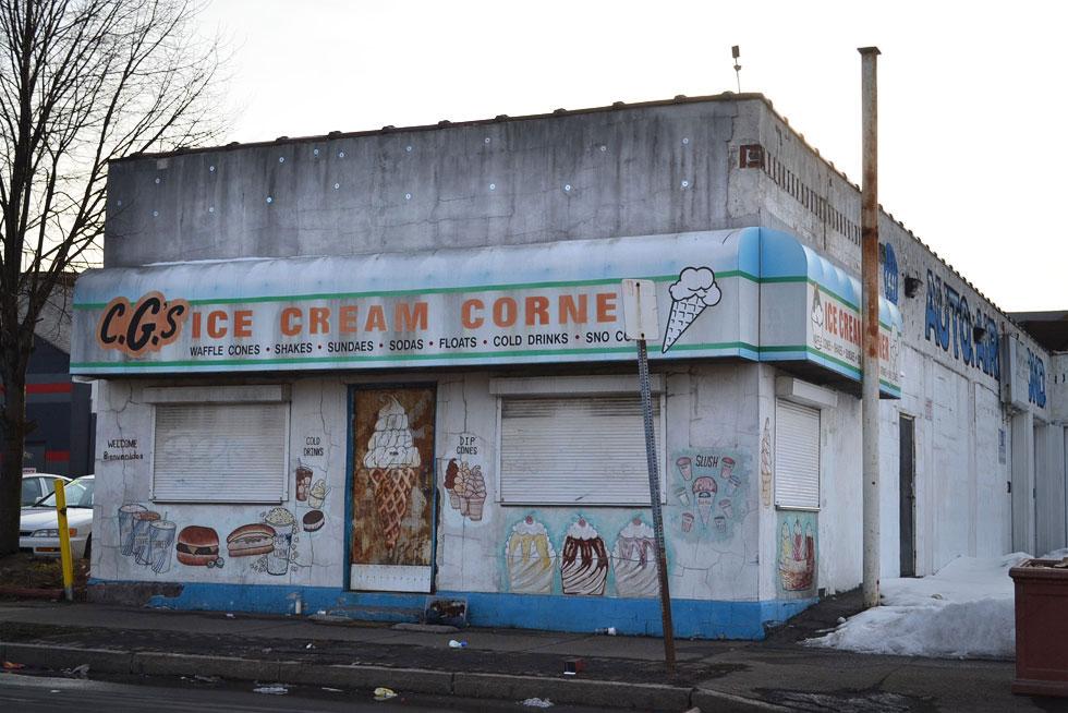CG's Ice Cream Corner. North Clinton Ave. Rochester, NY. [PHOTO: RochesterSubway.com]