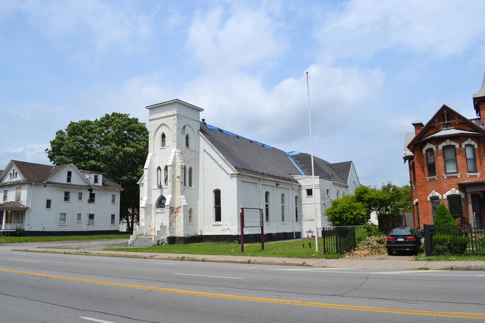 The Zoning Board will decide AGAIN whether or not to allow the former Westminster Presbyterian Church at 660 West Main Street to be demolished. [PHOTO: RochesterSubway.com]