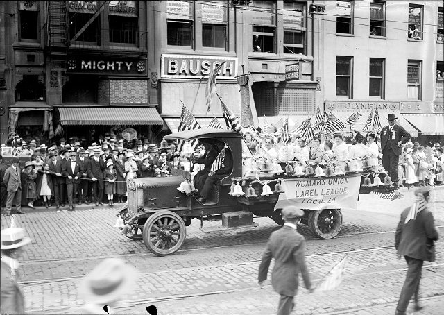Womans Union Label League Local 24 makes its way down Main Street East in the 1917 Rochester Labor Day Parade. [PHOTO: Albert R. Stone Collection]