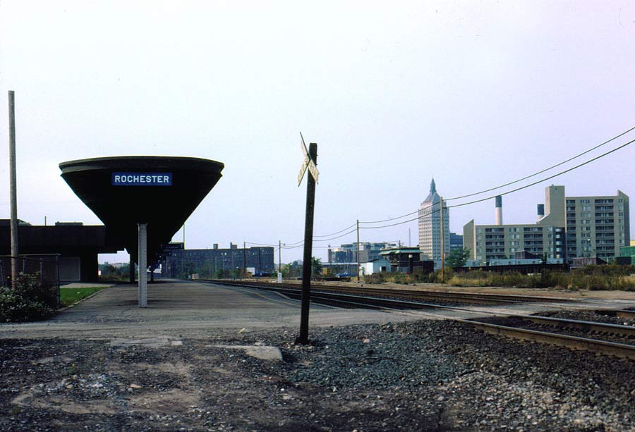 Rochester's outdated Amtrak Station. (photo: www.thebluecomet.com)