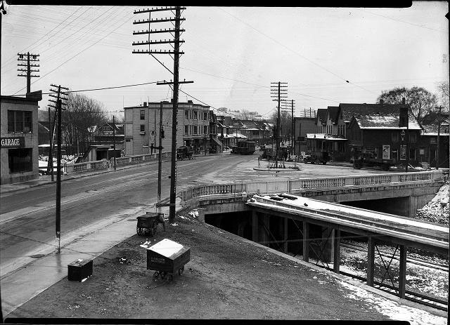 Monroe Avenue bridge over the Subway (circa 1930).