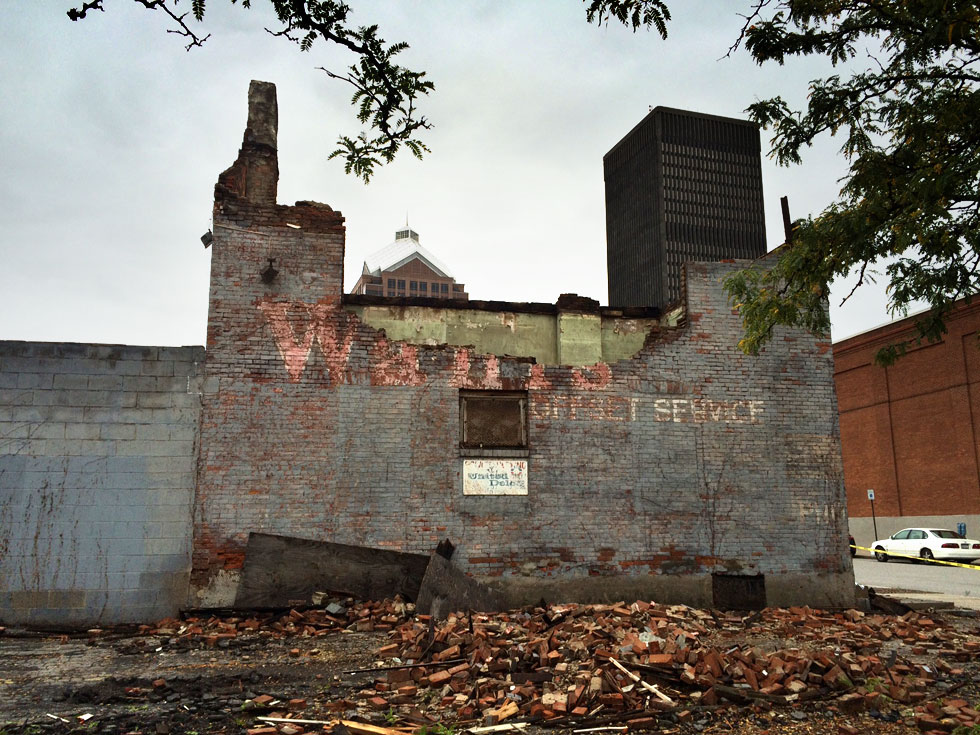 Emergency demolition permits have been pulled. [PHOTO: RochesterSubway.com]