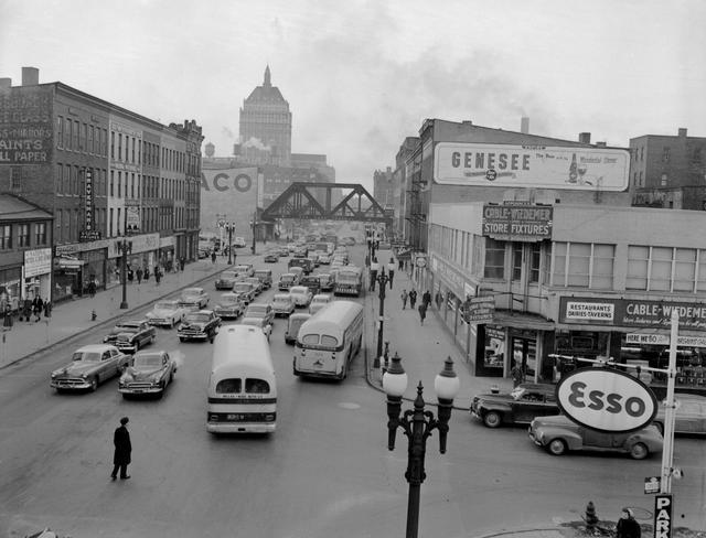 State Street, Rochester, NY. 1952. [PHOTO: Rochester Municipal Archives]